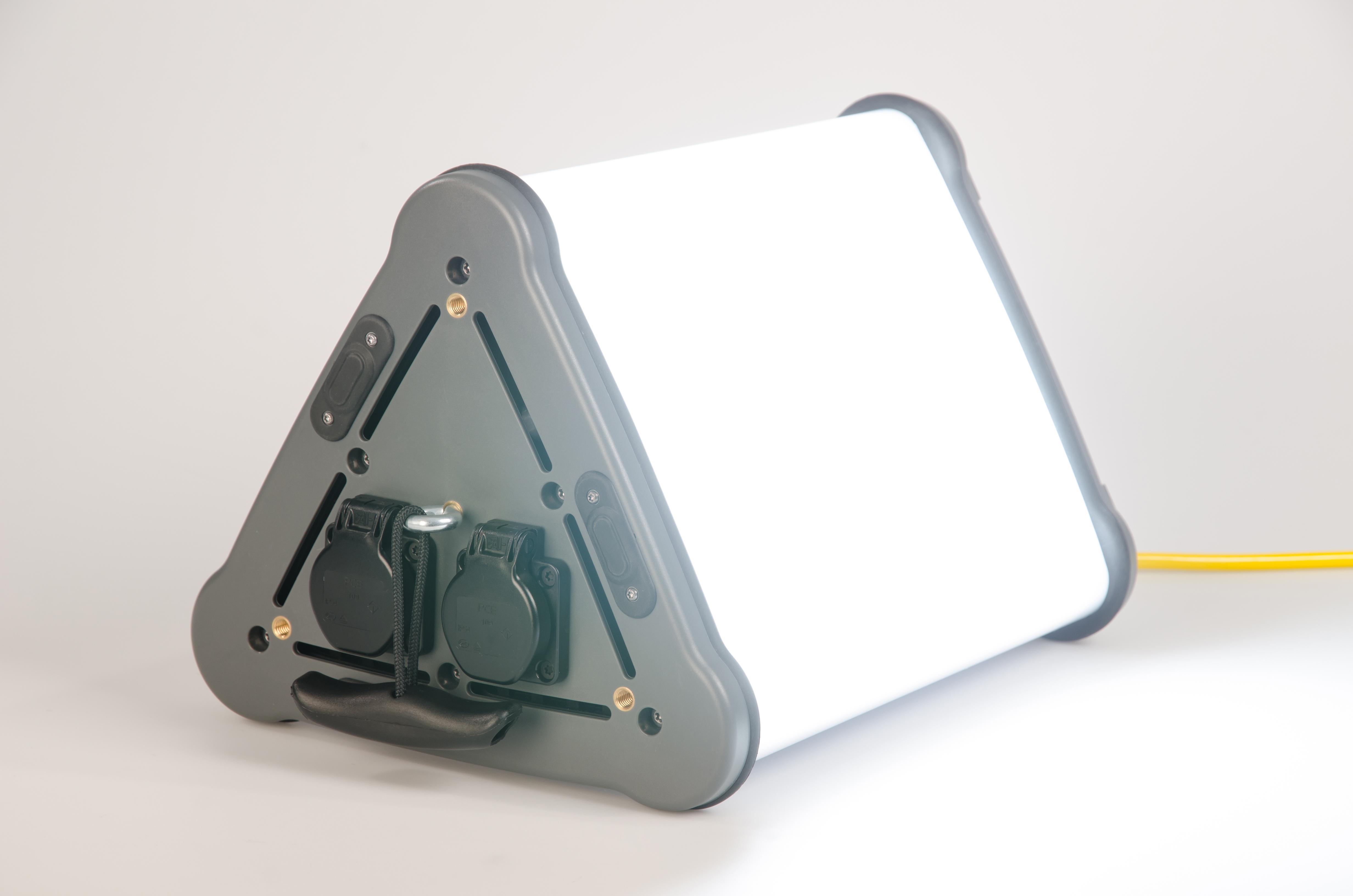 *360° Leuchte Triangle LED - 15.000 lumen - 5.000 K -  220-240 Volt AC - dimmbar